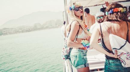 Fiesta en barco benalmádena