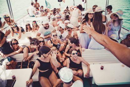 fiestas en barco benalmádena